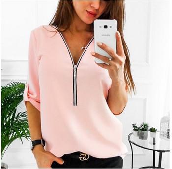 Модерна дамска риза с V-образно деколте в бял и розов цвят