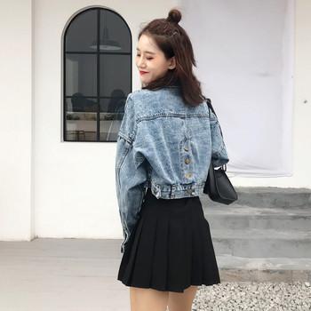 Актуално дамско дънково яке с копчета на гърба