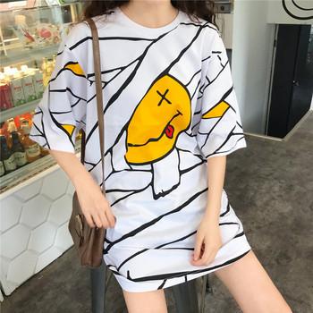 Дамска рокля с апликация в бял цвят - широк модел