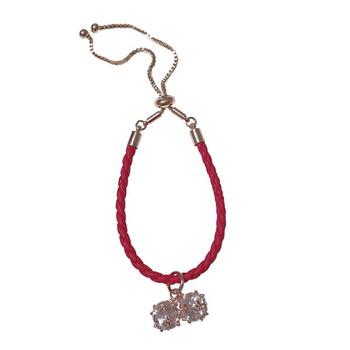 Дамска ежедневна гривна с висулки в червен цвят