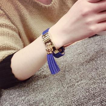 Дамска модерна гривна с пискюл в три цвята