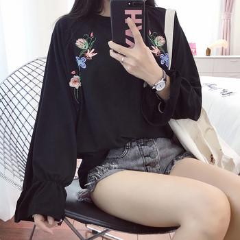 Стилна дамска блуза с дълъг ръкав и бродерия в няколко цвята