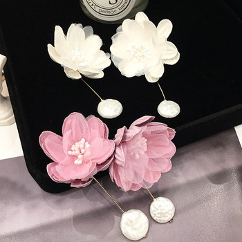 Дамски актуални обеци в розов и бял цвят с висулка
