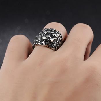 Мъжки пръстен лъв в сребрист цвят