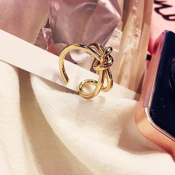 Дамски пръстен в златист  цвят