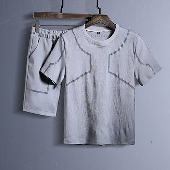 Мъжки комплект от две части включващ тениска и къси панталони в няколко модела