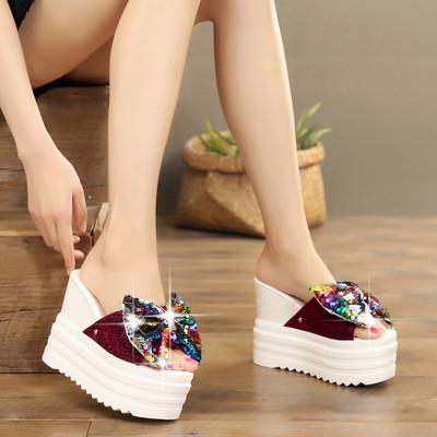 Дамски модерни чехли с платформа и пайети в три цвята