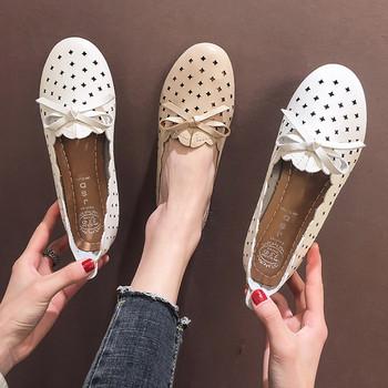 Νέα μοντέλα γυναικεία παπούτσια με κορδέλα σε δύο χρώματα