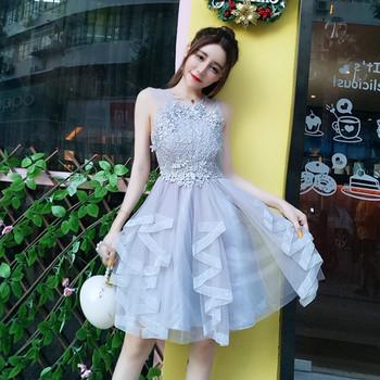 Елегантна къса дамска рокля с  дантела в два цвята