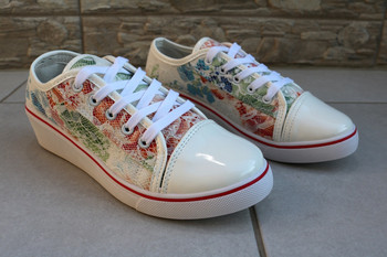 Дамски флорални обувки