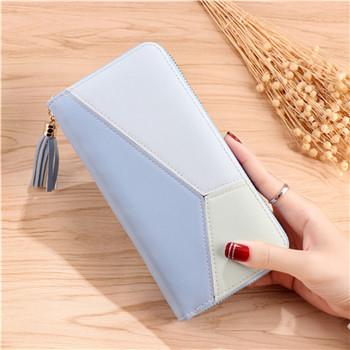Κομψό γυναικείο πορτοφόλι με μικρή χειρολαβή σε τρία χρώματα