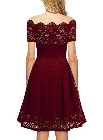 Κομψό γυναικείο  φόρεμα  με δαντέλα και κοντά μανίκια