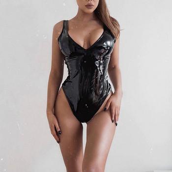 Актуално дамско боди от еко кожа в черен цвят