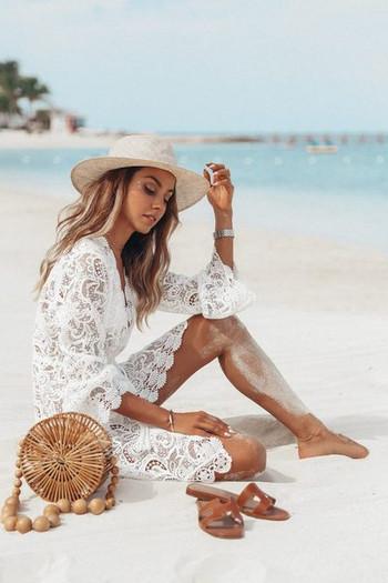 Γυναικείο δαντελοτό παρεό σε λευκό χρώμα