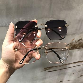Γυναικεία γυαλιά  σε τετράγωνη μορφή σε διάφορα χρώματα