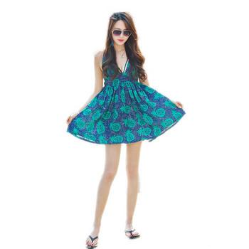 Μοντέρνα γυναικείο φόρεμα με έγχρωμες εφαρμογές