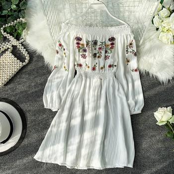 Γυναικείο φόρεμα με floral κεντήματα σε διάφορα χρώματα