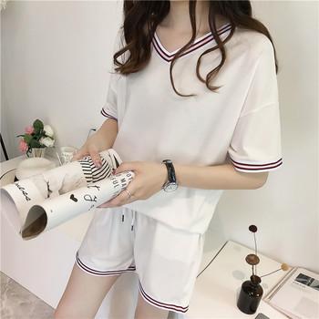 Дамски летен комплект включващ тениска и къси панталони в три цвята