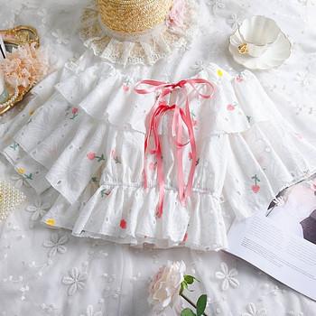 Модерна дамска блуза с панделка и бродерия в бял цвят