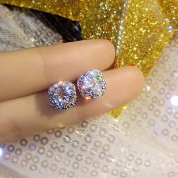 Дамски малки обеци в сребрист цвят с декоративни камъни