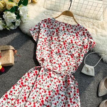 Дамска лятна рокля с V-образно деколте и флорален десен