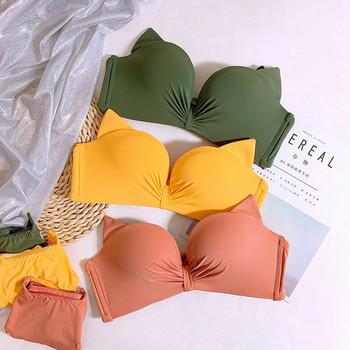 Интимно дамско бельо от две части с 3D елементи в няколко цвята