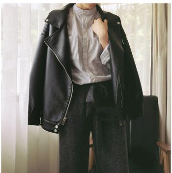 Актуално дамско кожено яке широк модел в черен цвят