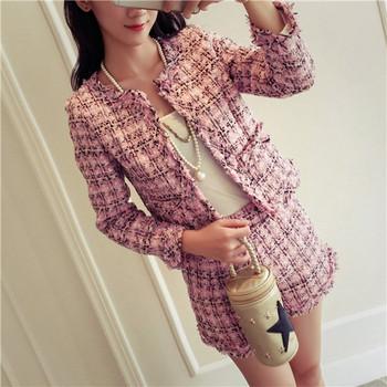 Уникален женски есенен комплект от две части - сако и къс панталон - Розов Бял Черен цвят.