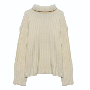 Дебел дамски пуловер с висока поло яка и цепки