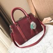 Ръчна дамска чанта с велурено покритие и висящи украшения + дълга дръжка за рамо,5 цвята