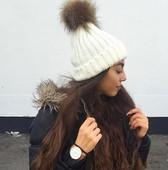Дамска вълнена зимна шапка с мек пух,много цветове