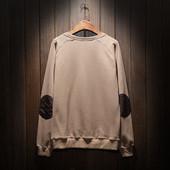 Изчистена мъжка блуза за есента и зимата