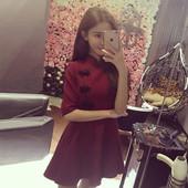 Ежедневна дамска рокля,леко разкроена в черен и бордо цвят