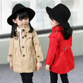 Стилно детско палто с копчета за момичетата,леко разкроено в три цвята