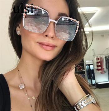 Γυναικεία γυαλιά ηλίου με μεγάλα τετράγωνα γυαλιά - Badu.gr Ο κόσμος ... 9ce0cd855e3