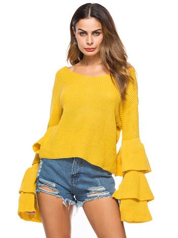 Дамски пуловер в свободен стил с разкроени ръкави