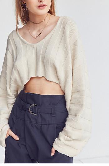 Скъсен широк дамски пуловер в два цвята