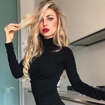 Семпло дамски боди в черен цвят с висока яка