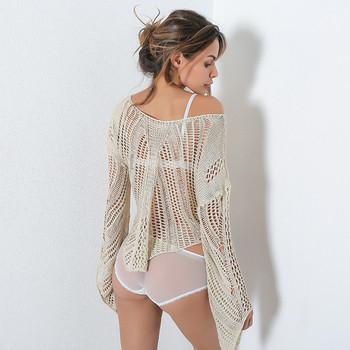 Нестандартен плетен на дупки дамски пуловер