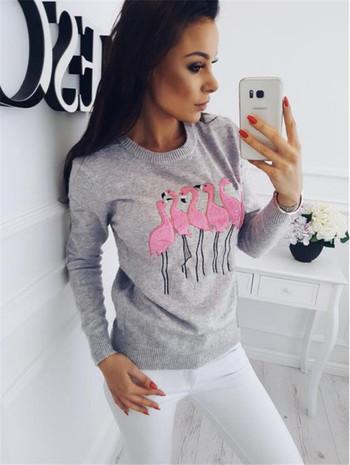 Актуален дамски пуловер с апликация на фламинги в четири цвята