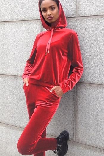 Дамски плюшен екип в червен цвят