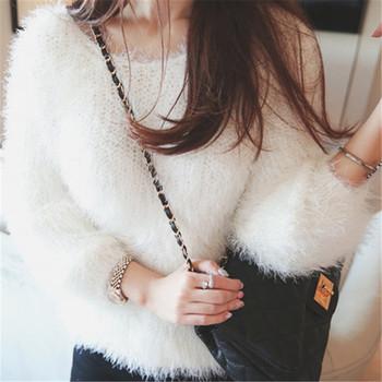 Мек и нежен дамски пуловер в бял и сив цвят