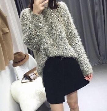 Стилен широк дамски пуловер в два цвята, подходящ за ежедневие