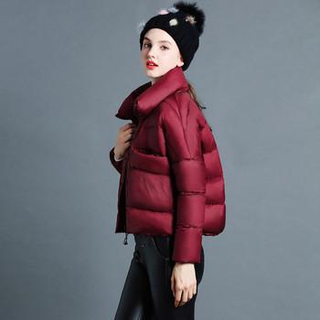 Σύντομο χειμωνιάτικο γυναικέιο μπουφάν σε απλό σχέδιο και σε πέντε χρώματα