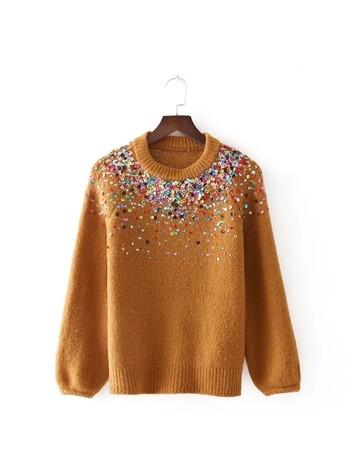 Вълнен дамски пуловер с декорация пайети и О-образно деколте