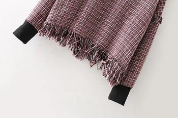 Ежедневен есенно-зимен дамски пуловер с ресни и поло яка