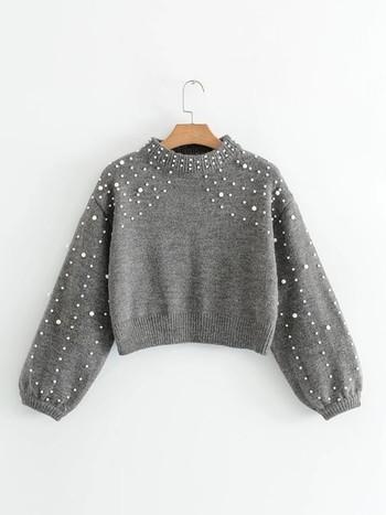 Зимен скъсен дамски пуловер с поло яка и декорация мъниста