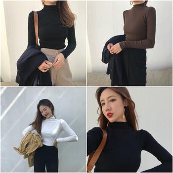 Изчистен дамски пуловер с О-образна яка,подходящ за ежедневие