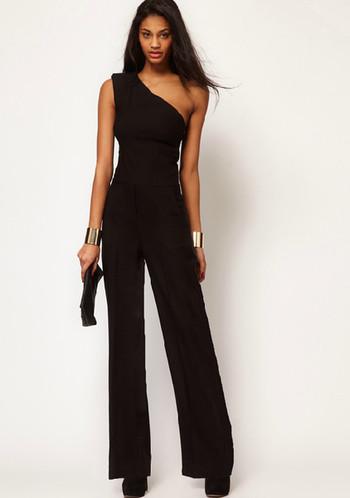 Стилен дамски дълъг гащеризон в свободен модел в черен цвят