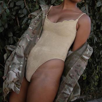 Стилно дамско боди тип рипс с V-образно деколте и тънки презрамки
